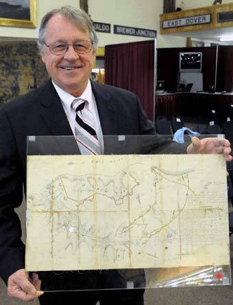 Jim Julia with the Battle of Yorktown map
