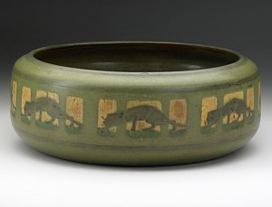 Marblehead bowl with panthers, Rago auction, lot 1