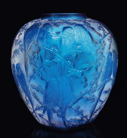 R. Lalique vase 'Perruches', Christie's South Kensington lot 179, May 26, 2010