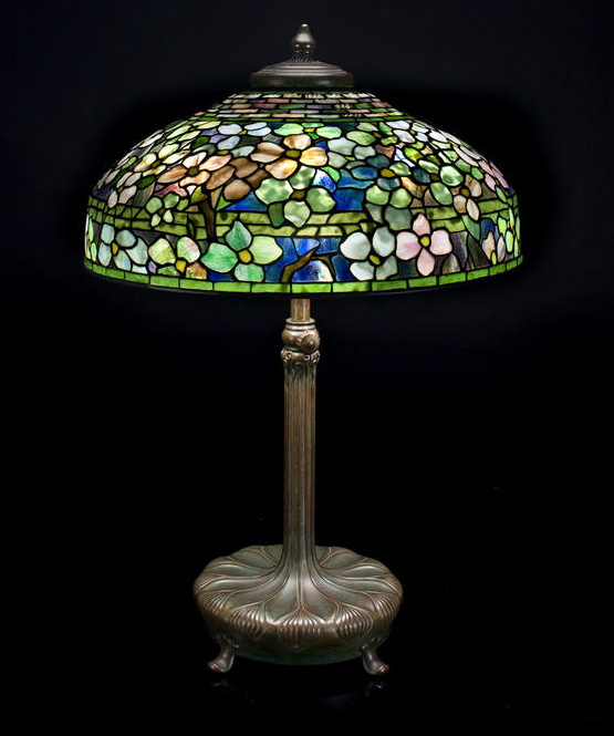 Good Tiffany Studios 20-inch diameter Dogwood table lamp, Bonham's lot #2047