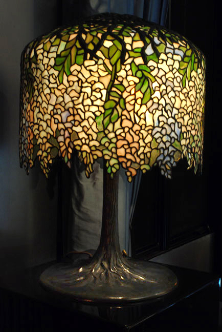 Tiffany Studios Wisteria table lamp, sold in 2012