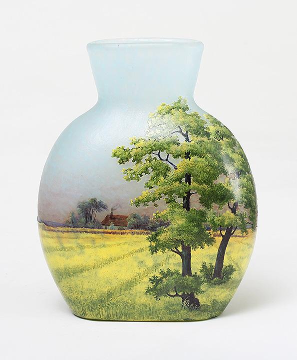 Important Daum farm scenic vase, sold at the show