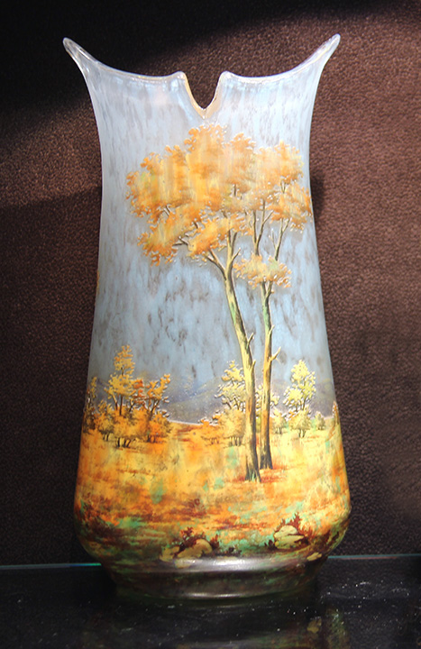 Killer Daum Fall scenic vase, just in