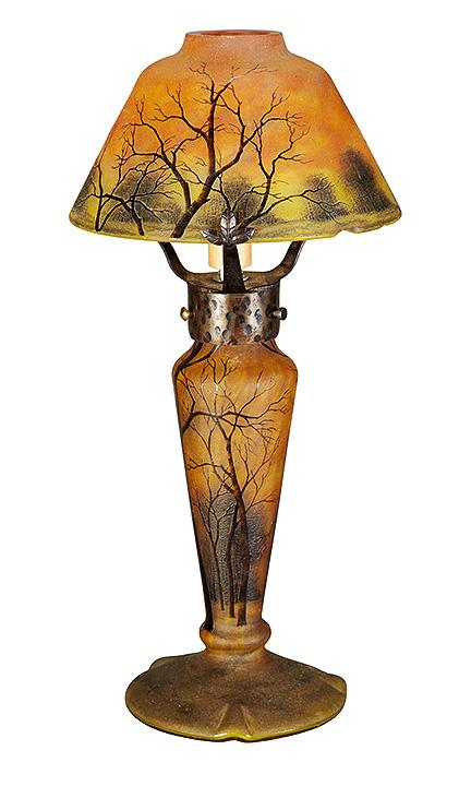 Daum Nancy winter scenic table lamp, Doyle lot #544