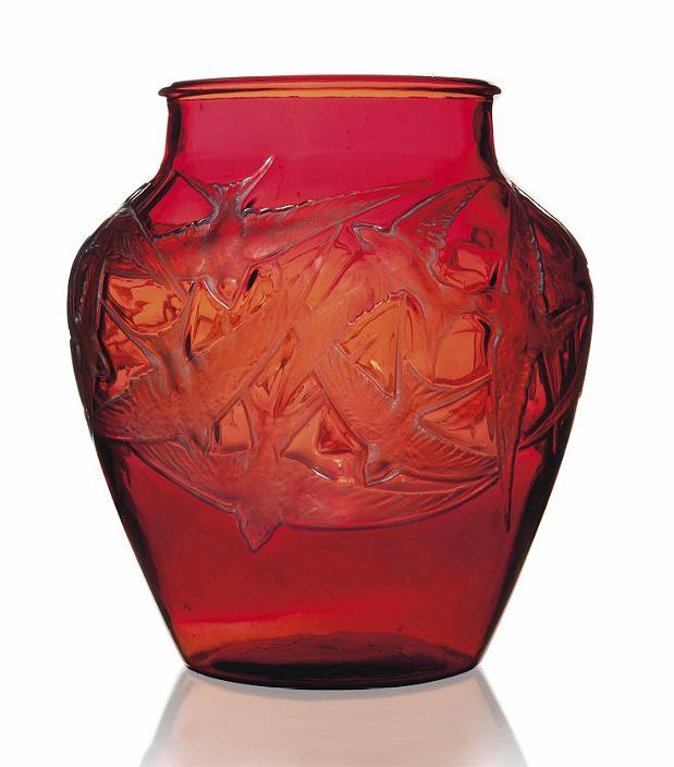 Rare red R. Lalique vase, Hirondelles, Christie's lot #185