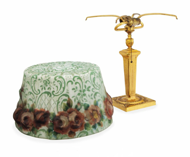 Pairpoint Hummingbird & Roses puffy table lamp, Christie's lot #463