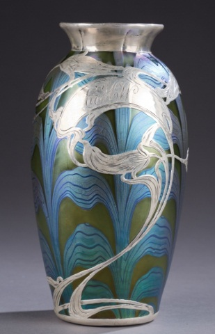 Beautiful Loetz decorated vase, Quinn lot #156