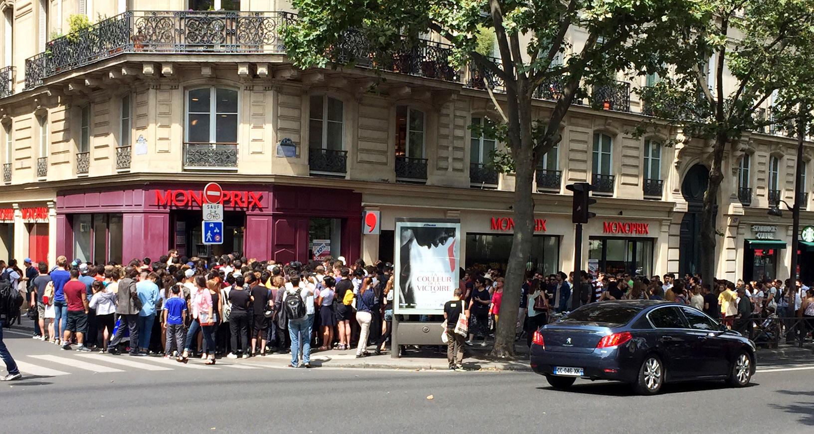 Part of the huge line at a Monoprix store for a Pokémon GO prize