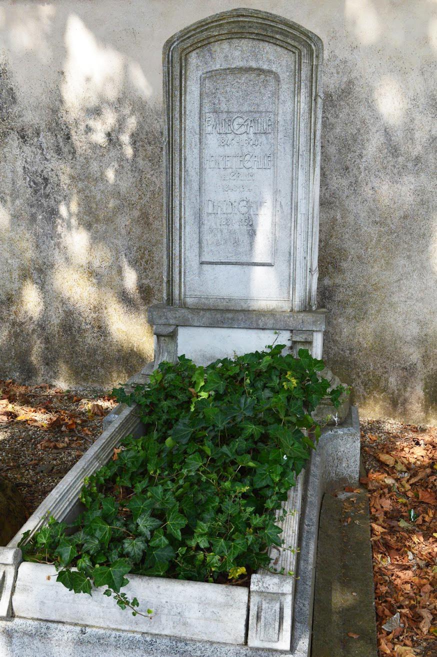 Emile Gallé's grave today
